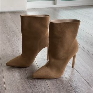 RAYE Suede boots - NEW never worn